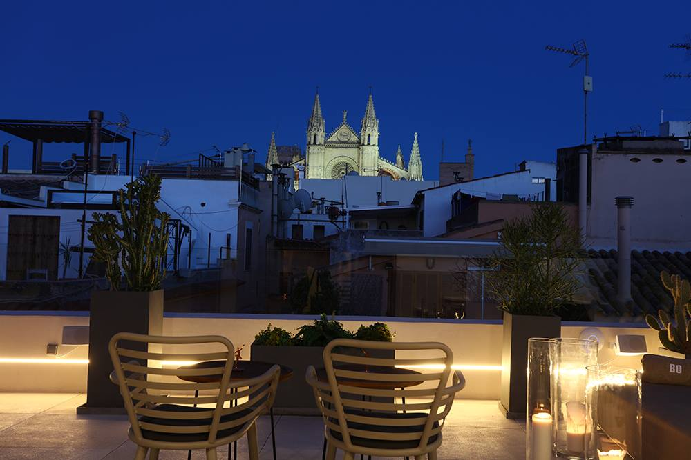 The romantic skyline of Palma from Bo Hotel´s rooftop - Special Offers with MallorcanTonic