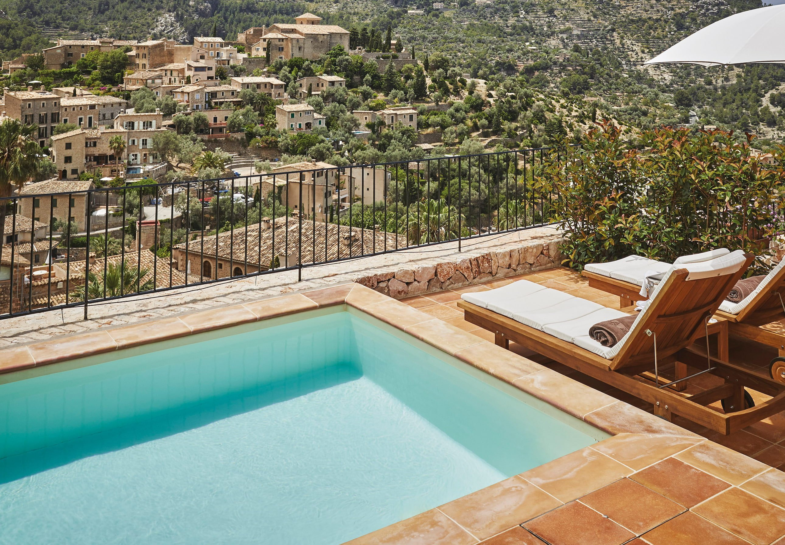 Exclusive Suite plunge pool - MallorcanTonic Upgrades