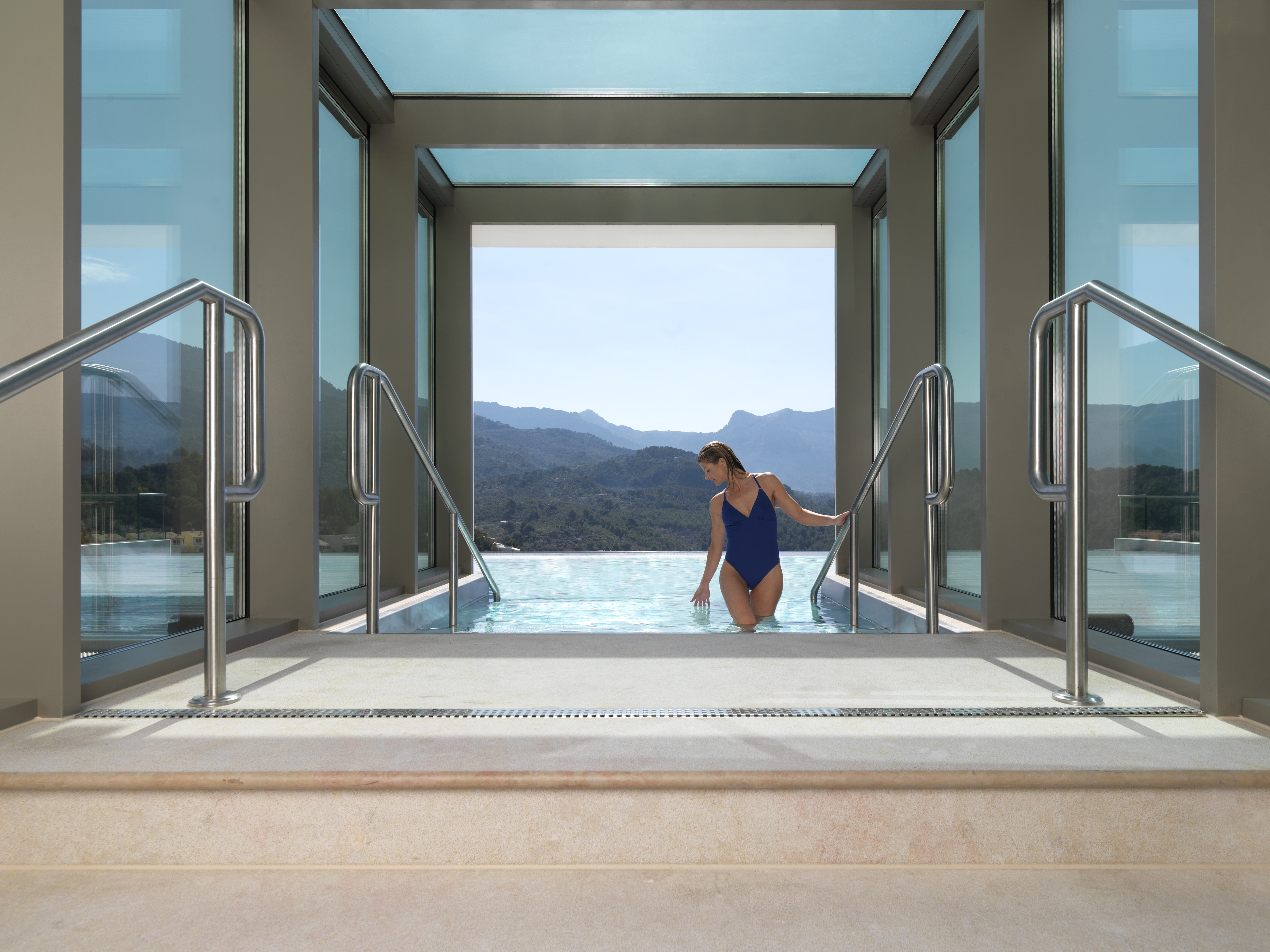 Hydro pool - Upgrades and special offers with MallorcanTonic at Jumeirah Port Soller Hotel and Spa
