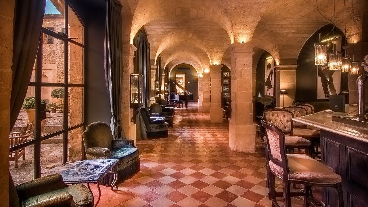 Relax in the piano long and bar at Gran Hotel Son Net