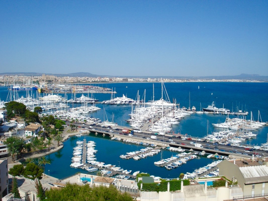Bay of Palma - Perfect to cycle around