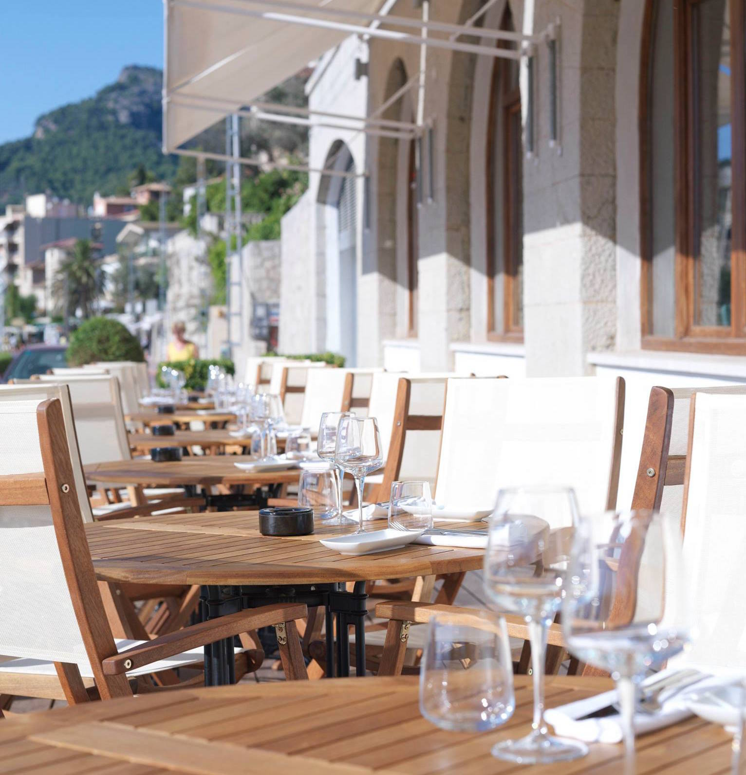 Lunch on the terrace at Esplendido Hotel   Special Offers MallorcanTonic