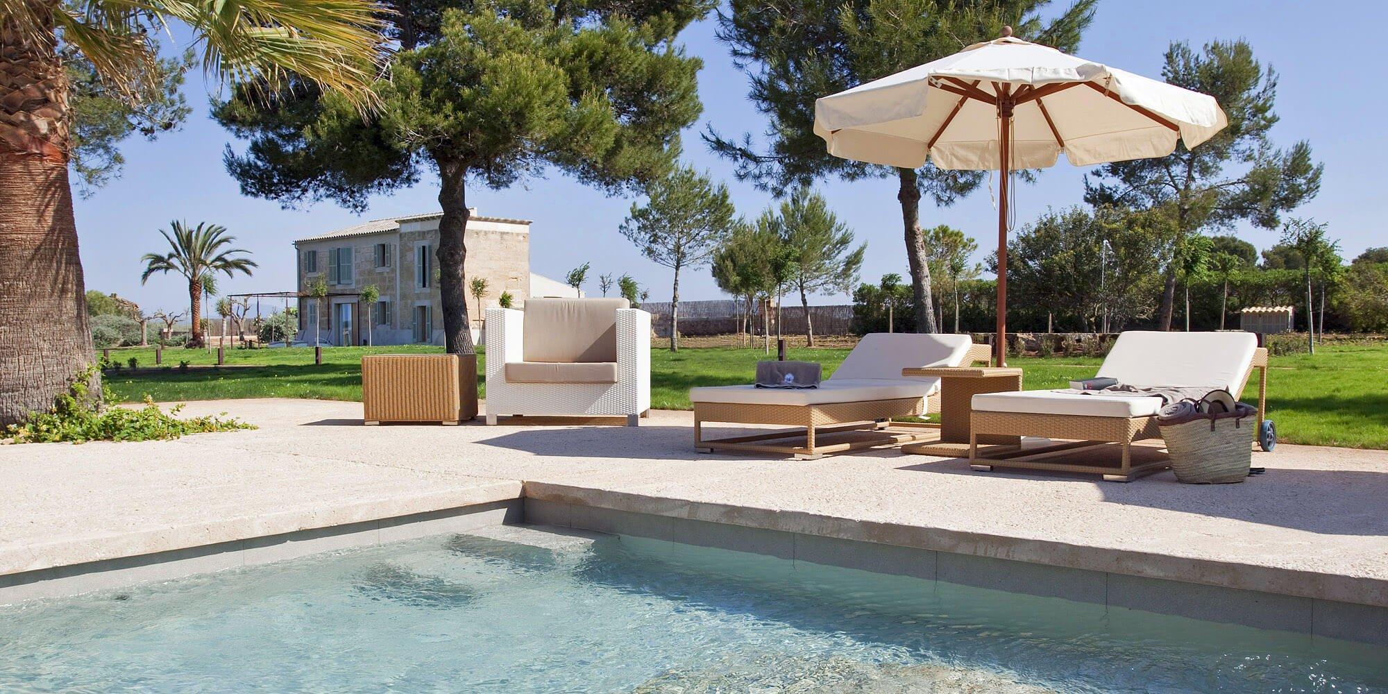Relax by the pool at Font Santa - 15 % OFF - Thermal Spa & Wellness