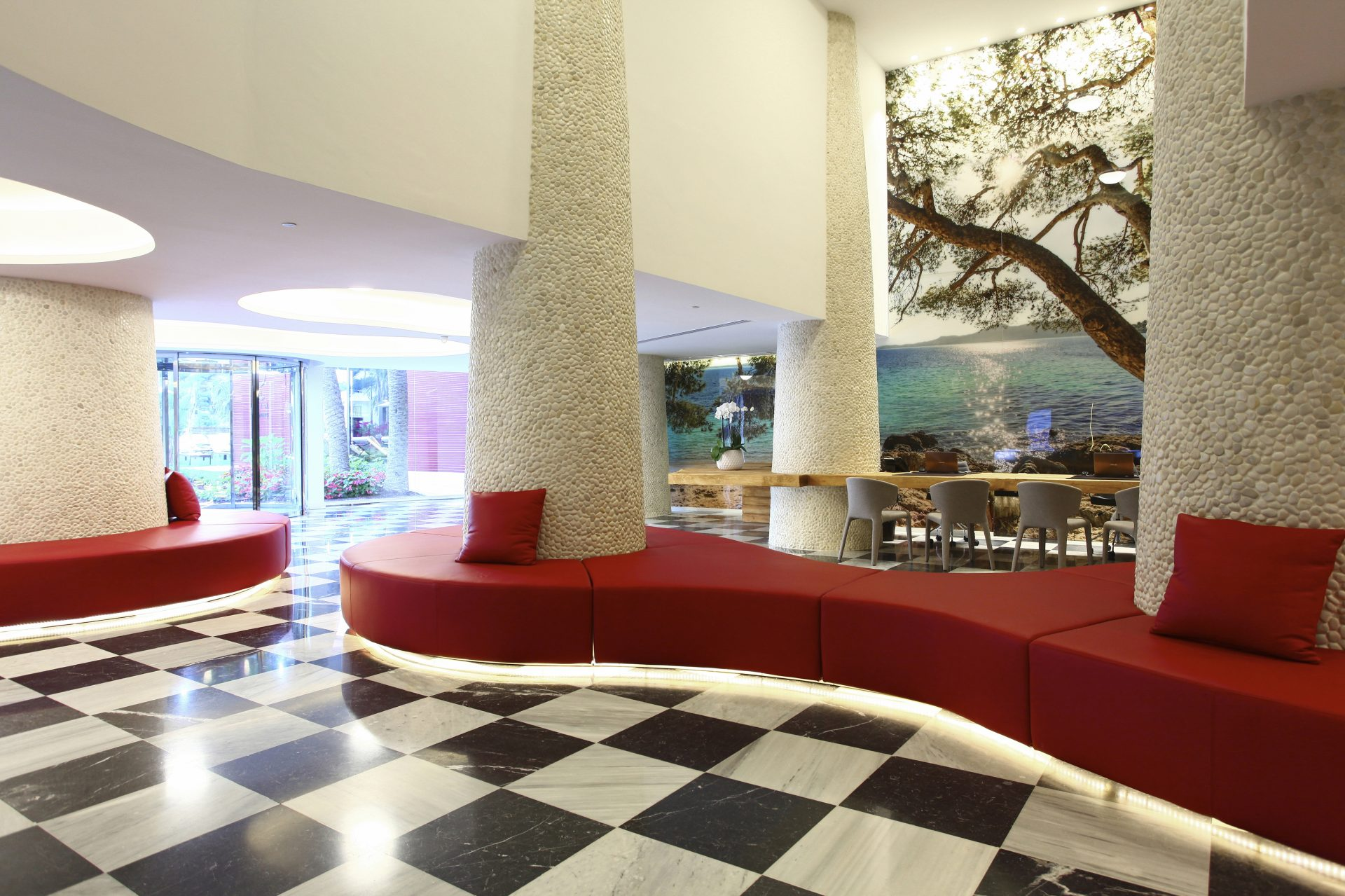 The welcoming reception area - Pure Salt Garonda - Luxury Hotels - Playa de Palma - MallorcanTonic offers
