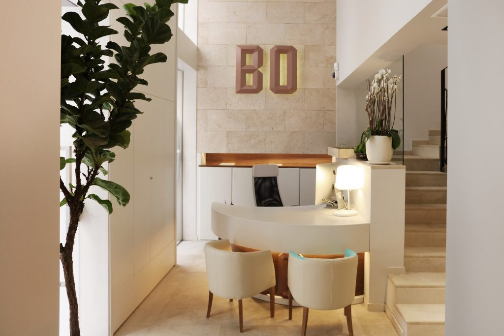 Checkin at reception at Bo Hotel Palma - Luxury Hotels in Mallorca