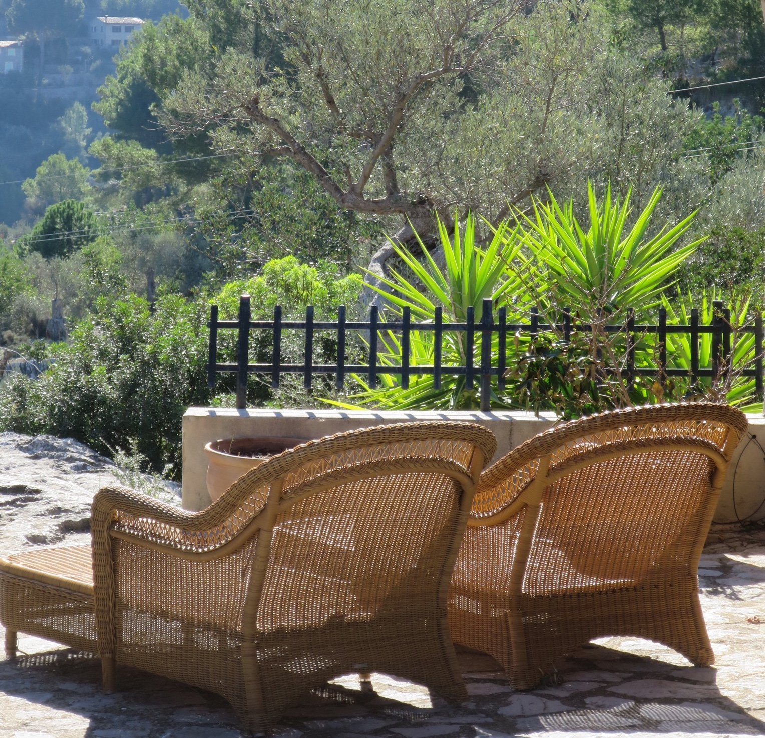 Take time for yourself on the sunbeds Sa Pedrissa Agroturismo - Deia - Mallorca