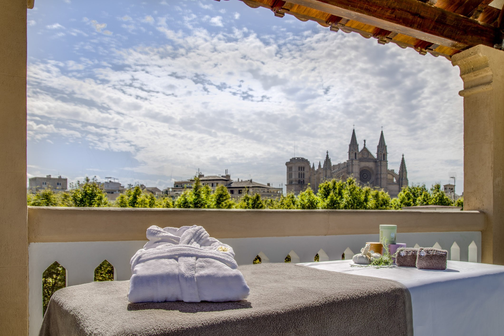Breathtaking view - Boutique Hotel Can Alomar - Roof Terrace
