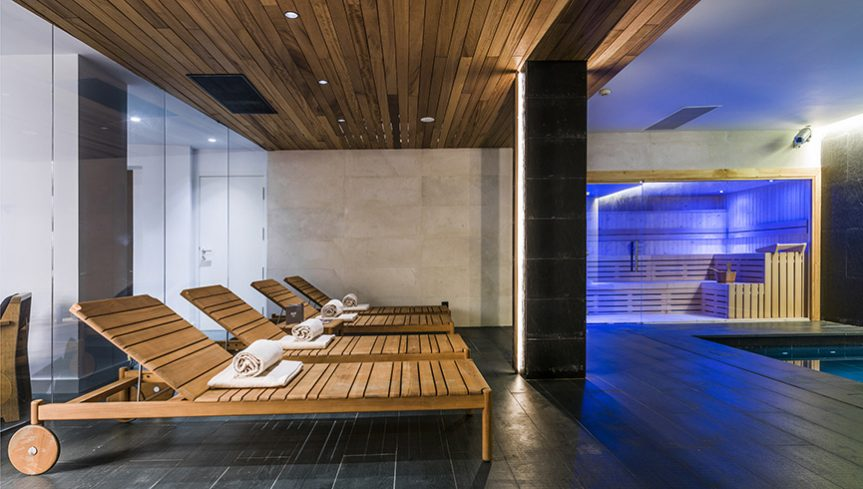 Splash around at Nakar Hotel - Spa - MallorcanTonic