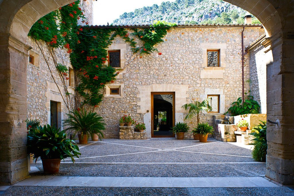 The grand courtyard at Son Brull - Pollensa - Five Star Luxury Boutique Hotel- MallorcanTonic