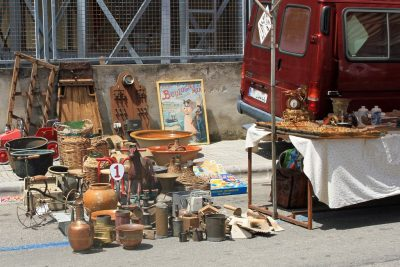 Consell Flea Market – Curios and Collectibles
