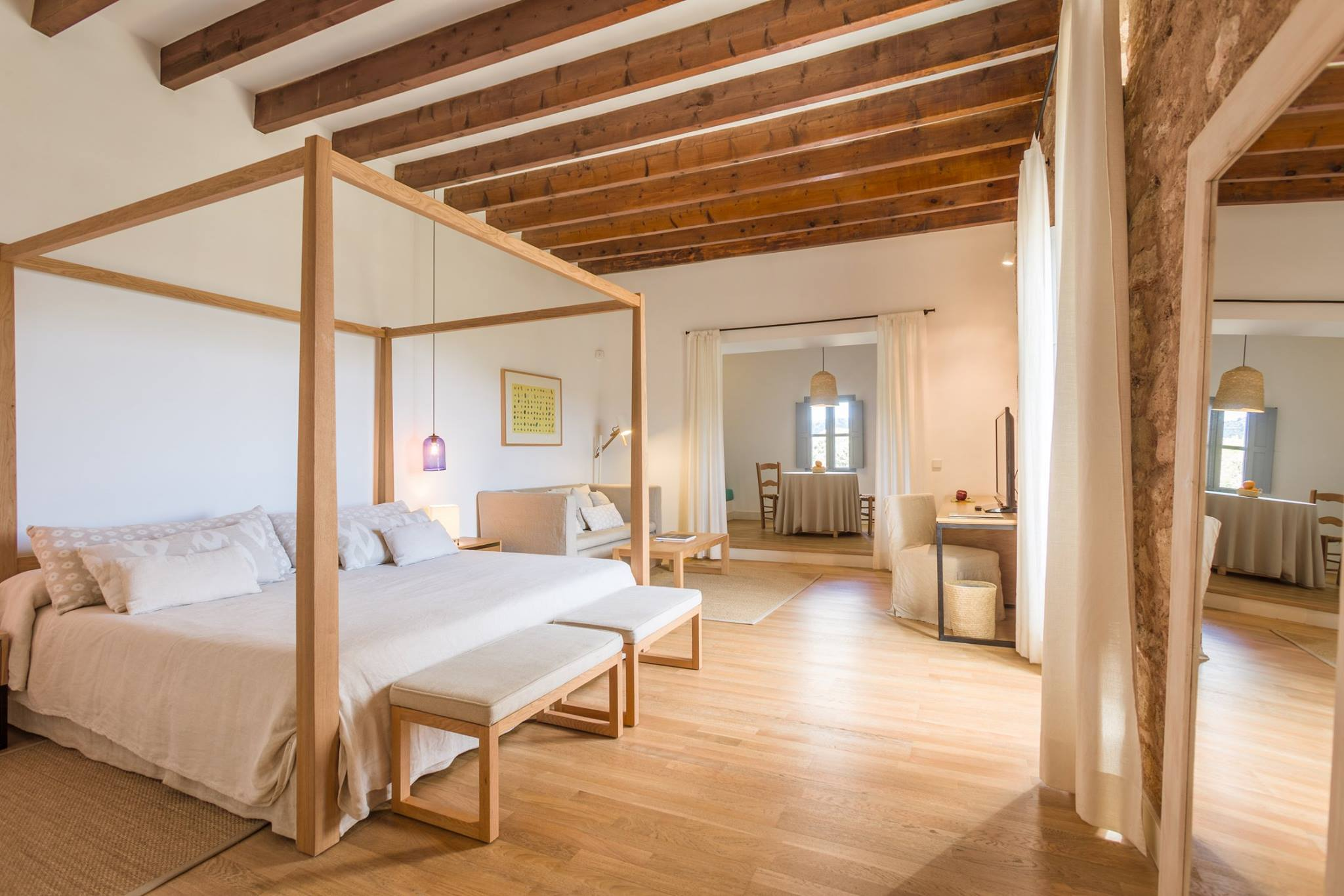 Spacious suites at Rural Predi Son Jaumell´s - Special Offers