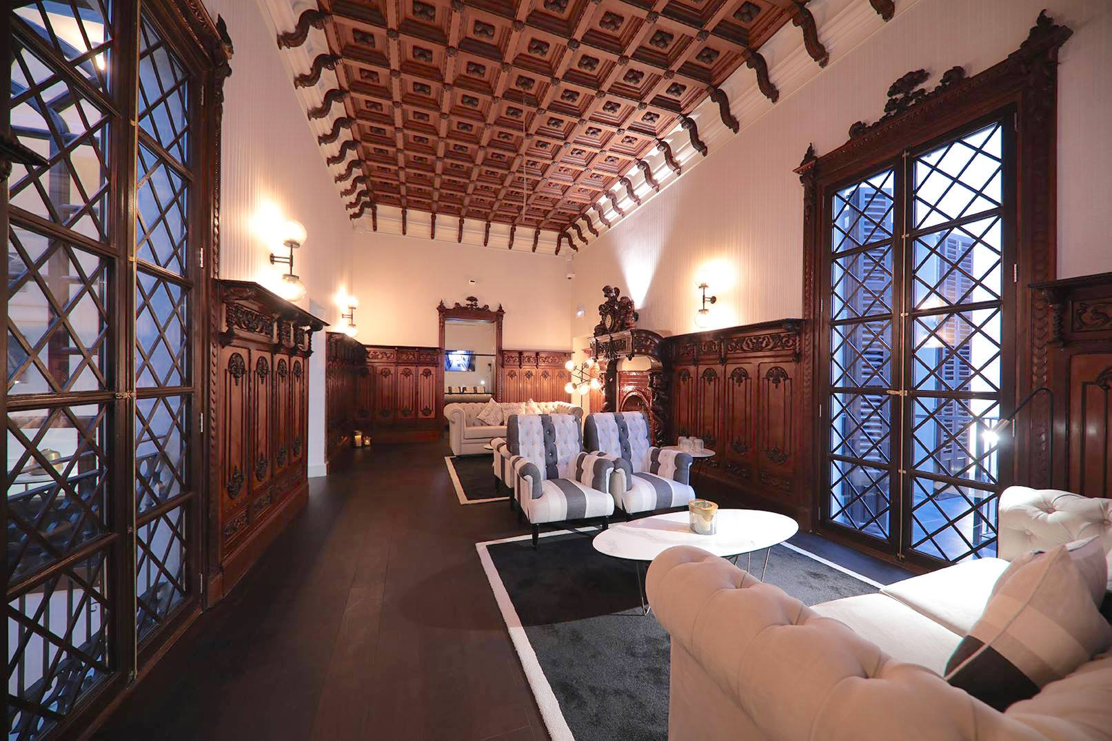 Summum Prime Boutique Hotel - Palma - The Library holds the integrity of the building