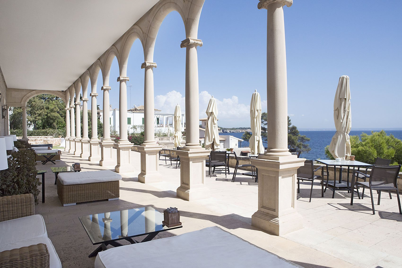 Colonnaded Terrace - Hospes Maricel and Spa Hotel - Mallorca