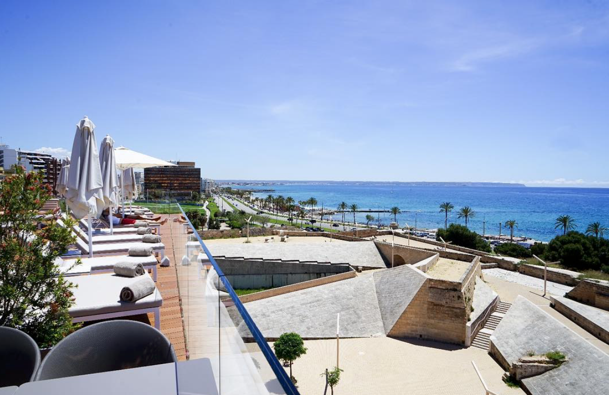 Es Princep - Luxury Hotels Palma - Outdoor Pool Terrace