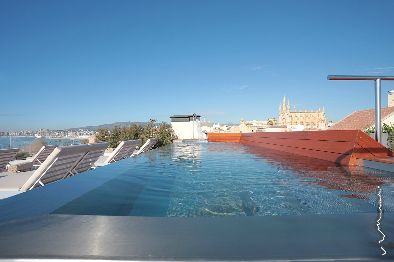Es Princep - Roof Top Pool - MallorcanTonic