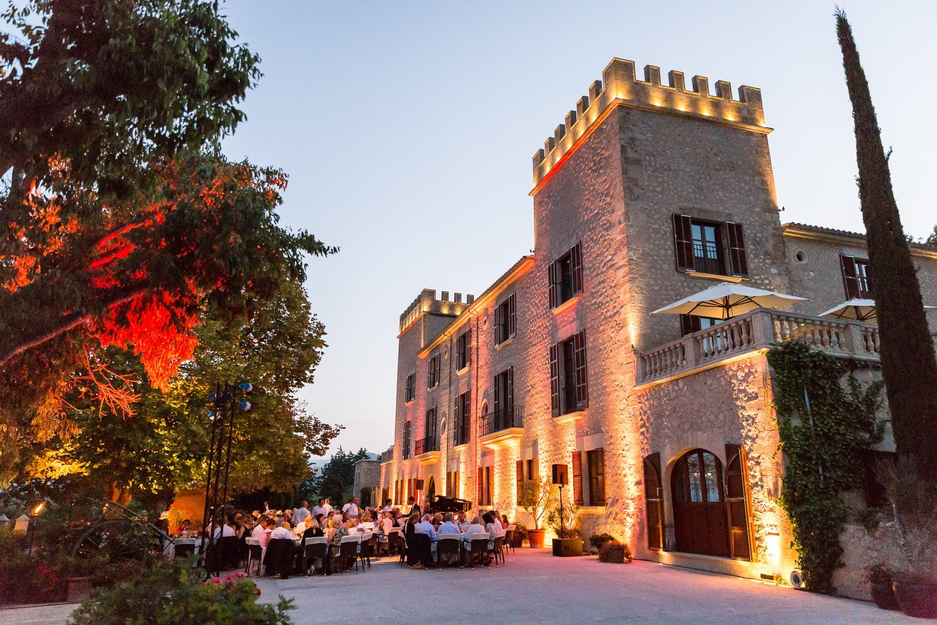 Castell Classics - Hotel from the outside  - Opera Under the Stars