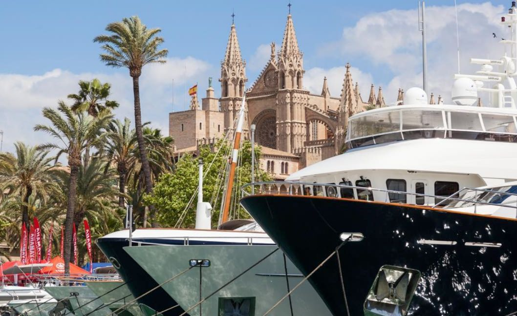 Palma Cathedral - Superyacht Show